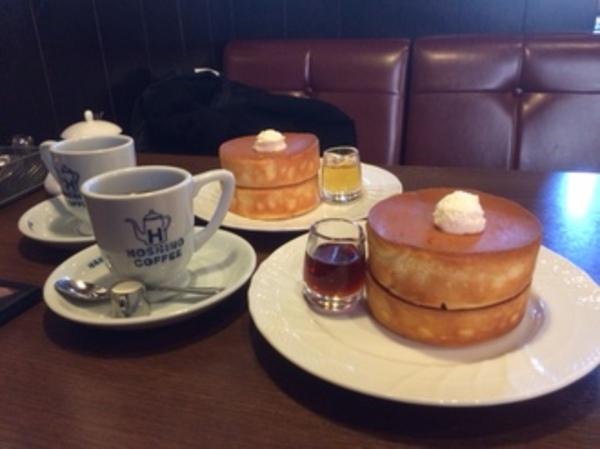いい匂いの星乃珈琲のパンケーキ