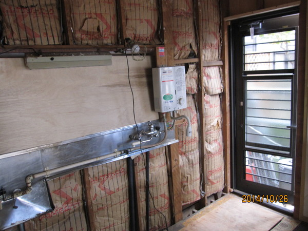システムキッチン・ユニットバス設置工事完了。和式トイレ➜洋式トイレ工事。